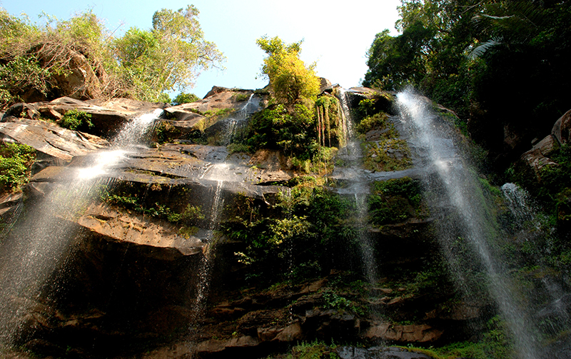 Laos Cascade de la source de la Hin Boun Tétraktys